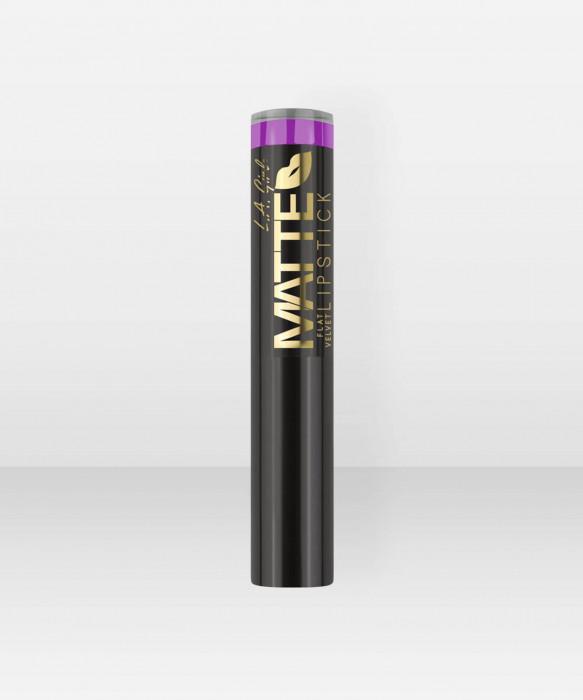 L.A. Girl  Matte Velvet Lipstick  Giggle Huulipuna