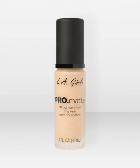 L.A. Girl  PRO.Matte HD Long Wear Foundation  Bisque meikkivoide