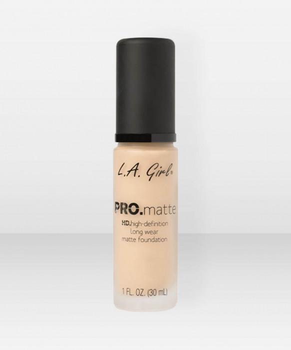 L.A. Girl  PRO.Matte HD Long Wear Foundation  Medium Beige meikkivoide