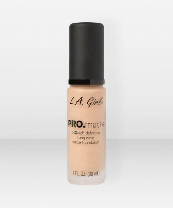 L.A. Girl  PRO.Matte HD Long Wear Foundation  Sand meikkivoide