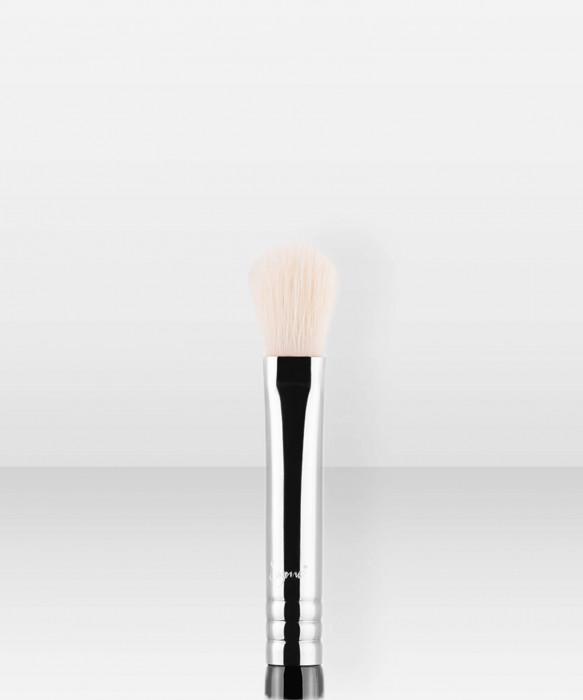 Sigma Beauty E25  Blending Brush häivytyssivellin