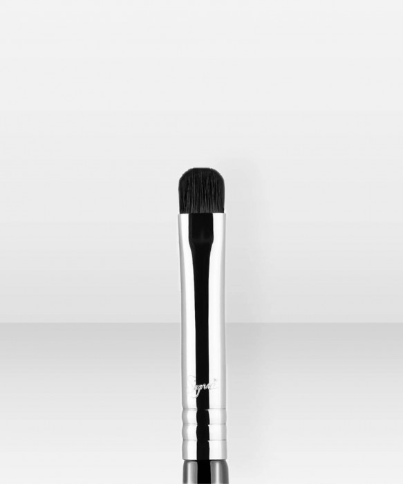 Sigma Beauty E21 Smudge Brush luomivärisivellin