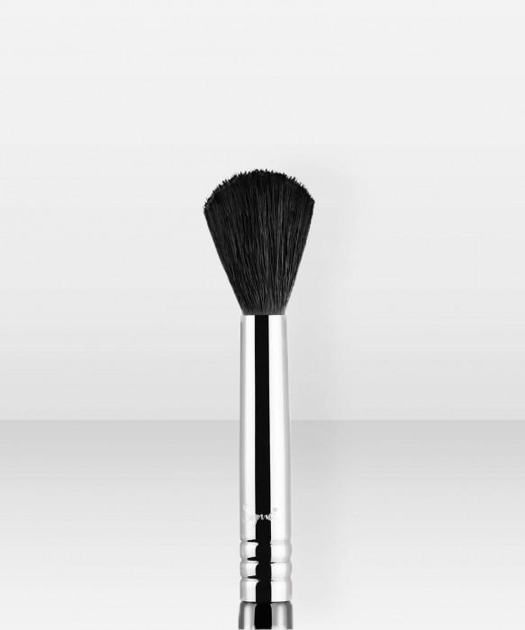 Sigma Beauty E40  Tapered Blending Brush luomivärisivellin