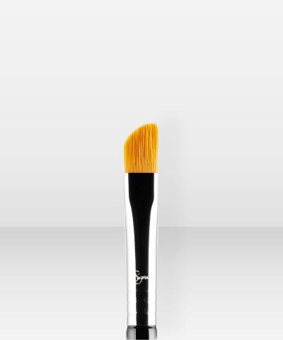 Sigma Beauty E62  Cut Crease